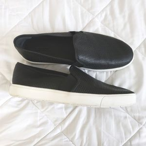Vince slip on sneakers shoes 9.5